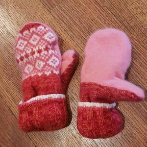 Women's wool mittens